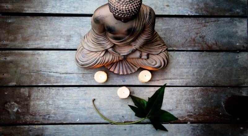 buddha buda kuju rahu leht naeratus küünlad