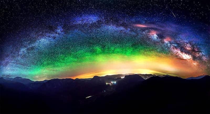 Ajatute ajastu, taevas, värvid